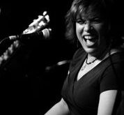 Doña Oxford: Live…and Loud! album rocks and rolls. Her best ever