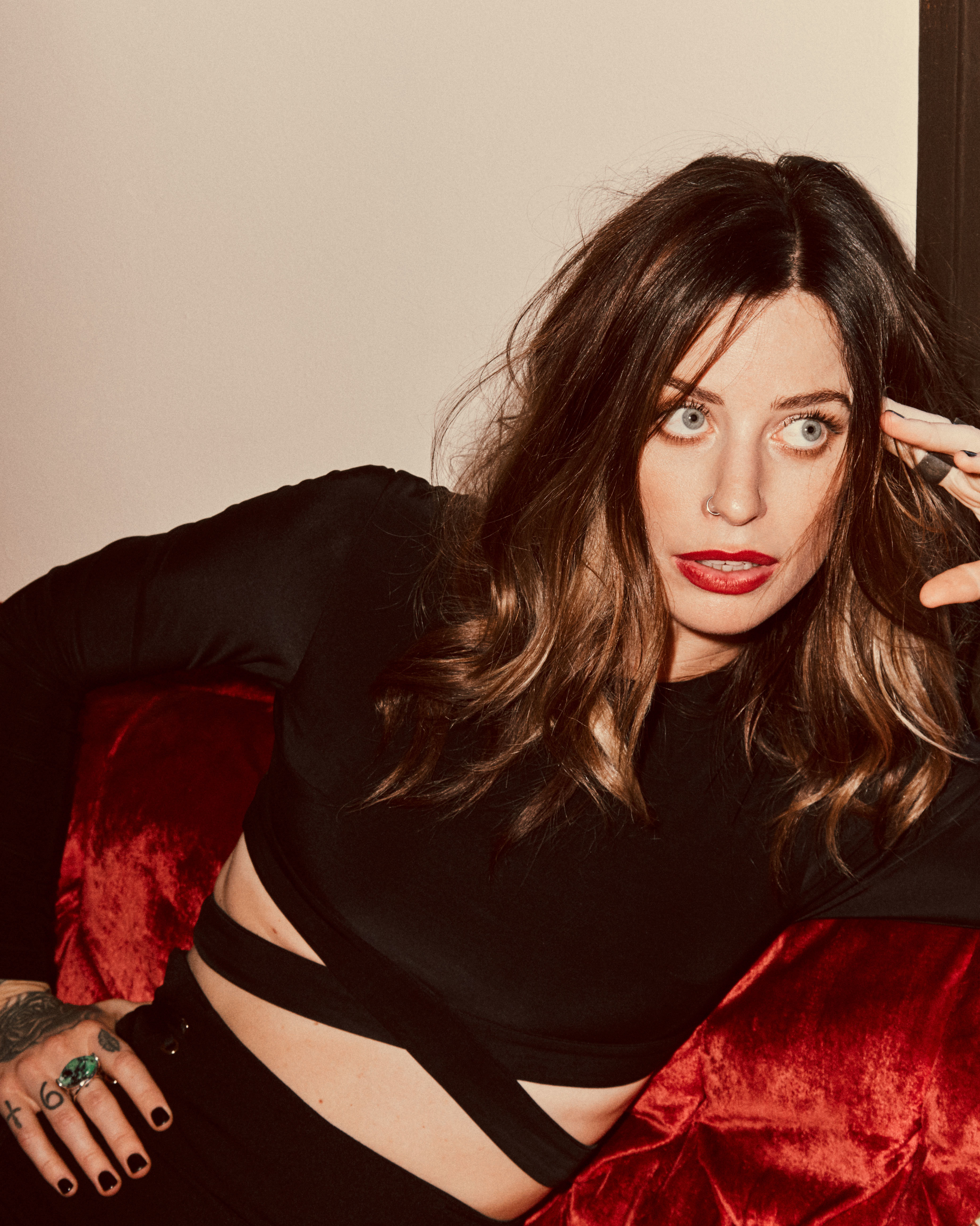 Gin Wigmore Debuts New Song And Video For Quot Cabrona
