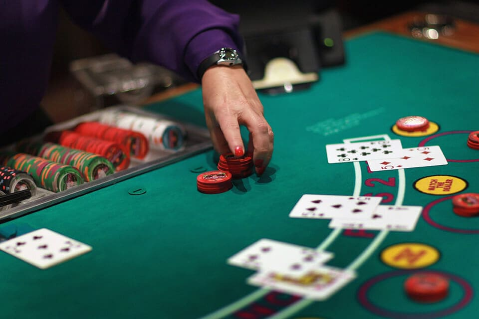 Learn about different categories of Baccarat with their playing status -