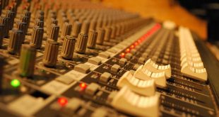 <strong>The Top Digital Mixing Consoles on the Market</strong>