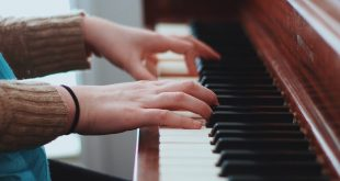 Why should you take professional piano lessons?