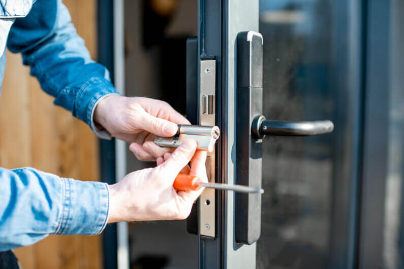 Why You Should Hire a locksmith for your house -