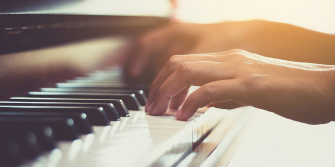 <strong>5 Mistakes to Avoid When Learning to Play Piano</strong>