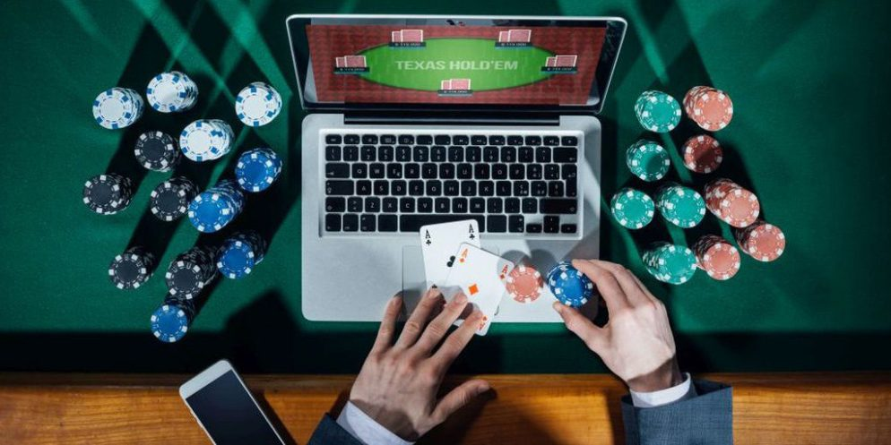 Is online gambling convenient for players? -