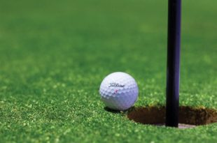 FAIL-PROOF TIPS TO ARRANGE A FANCY PANTS GOLF TOURNAMENT