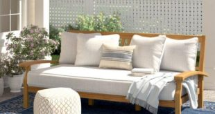 <strong>Outdoor Daybed is Also a Comfort Zone</strong>