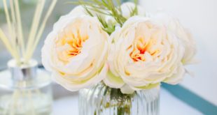 <strong>10 Benefits Of Artificial Flowers</strong>