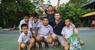 YouTuber David Bond donates $10,000 to Children's Hospital in Thailand