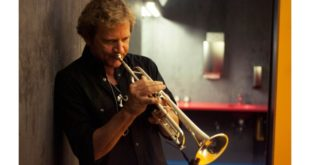 """PREMIERE: Curt Ramm [Bruce Springsteen's E-Street Band Horn Section] Release New Single """"Surfer's End"""""""