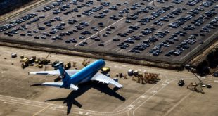 What are the benefits of airport parking?